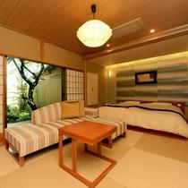 【離れ清貞庵 -初瀬-】伊豆石の内風呂、檜露天風呂。趣の異なる二つのお風呂を備えております。