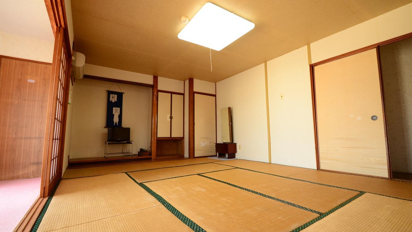 *【亀の間】和室10畳の広さで、ファミリーやグループにおすすめのお部屋です♪