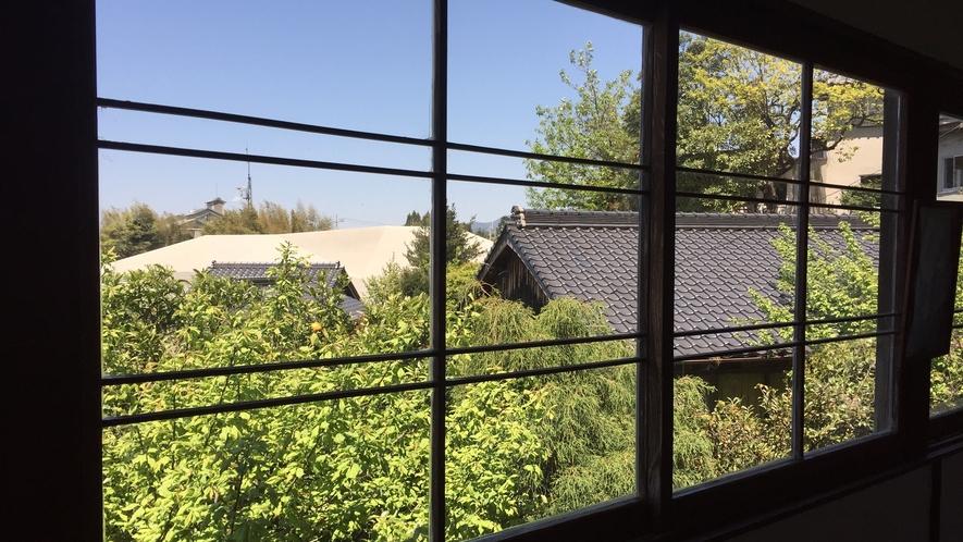 *【眺め】昔ながらの木枠の窓