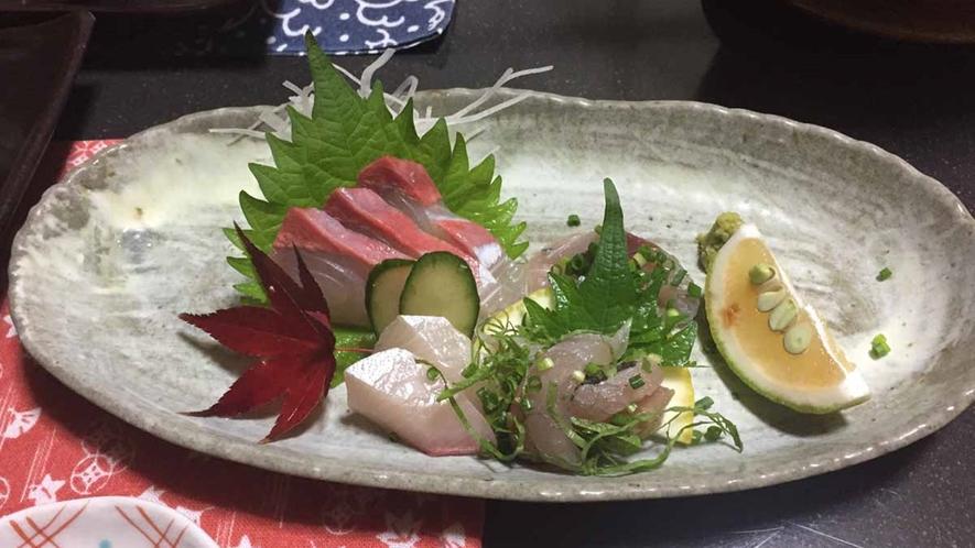 *【お造り】身がぷりっぷりの新鮮なお魚のお造りです。