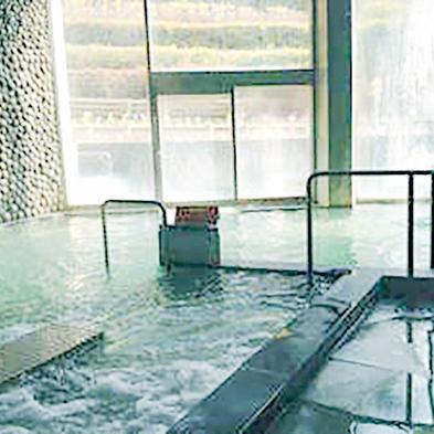 【ネット限定】和室18畳ひろびろ素泊まりプラン☆美肌温泉の利用可♪【駐車場無料】