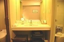 Central Side 客室バスルーム・洗面スペース