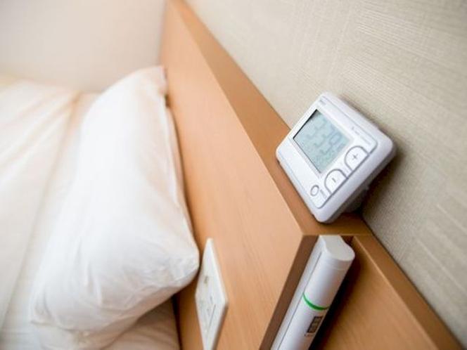 静音デジタル時計睡眠の際に気になりません