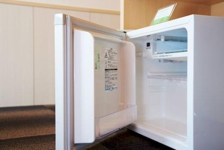 客室冷蔵庫:運転音と振動音を抑えて、静かな客室空間