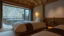【ジャパニーズスイート】広さ100平米。竹や和紙の自然の素材を用い、洗練された家具が並ぶ。