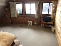 ログハウス寝室3