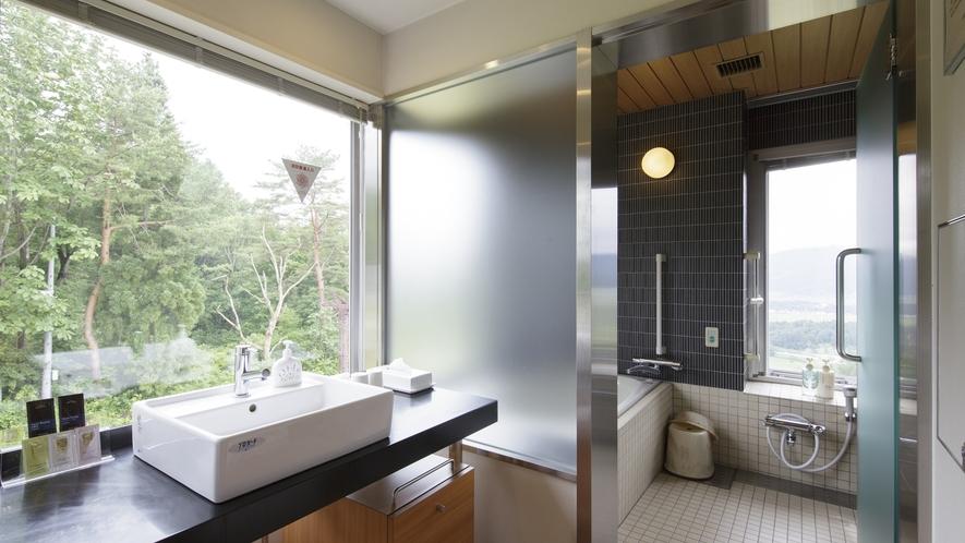 *客室一例/特別室の洗面所と浴室