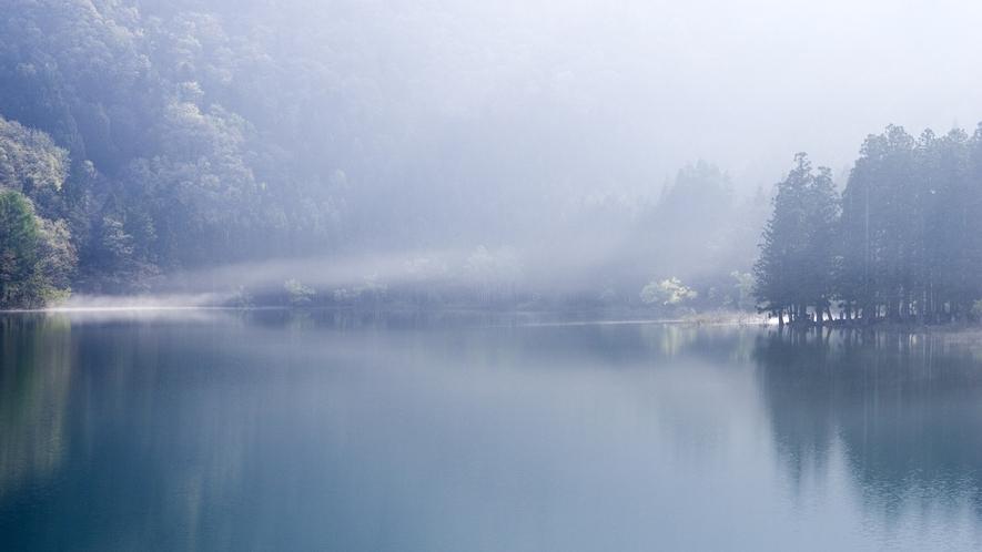 *北竜湖/朝の幻想的な北竜湖