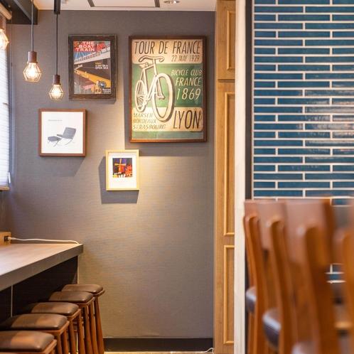 朝食会場にはアートが飾られ、ニューヨークのカフェのようです♪