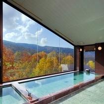 T4紅葉を一望する大浴場2