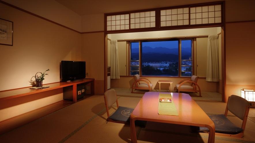 【和室8畳】おふたりからご家族まで、蔵王連邦を眺めながらゆっくりお寛ぎいただける最適なお部屋です。