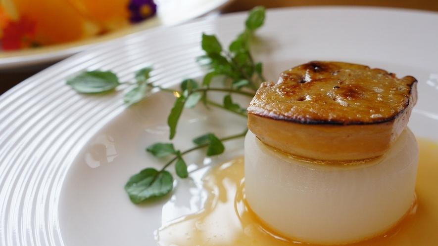 【フォアグラ大根】フォアグラといったら世界三大珍味の一つ。洋食のイメージですが、ゆさでは和テイスト!