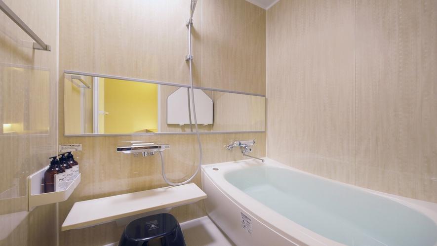 『春霞-しゅんか-』内風呂もお部屋のコンセプトに合わせた色で作られています