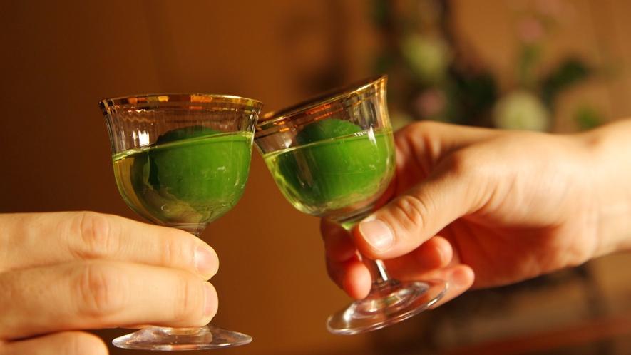 【地元のお酒も満載】山形の地酒やワイン、お食事処でご注文いただけます。みんなで楽しめる飲み放題も!