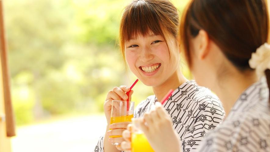 【女子会】季節のプランにはコラーゲンボール入りの豆乳鍋や別注でフルーツの盛合せ等もございます