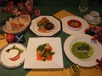 夕食ディナー(一例)