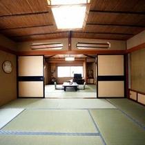 *【和室10畳+10畳】広々としたお部屋は解放感たっぷり。