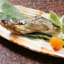 *【川魚の塩焼き】香ばしい香りとホクホクの白身に思わずガブリっ!