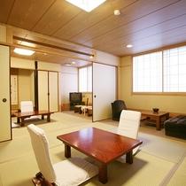 【お部屋】ほっこり落ち着ける和室。