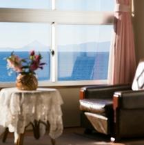 客室|窓辺