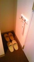 客室用の室内履きと靴べら