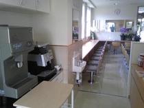 カフェ 1階