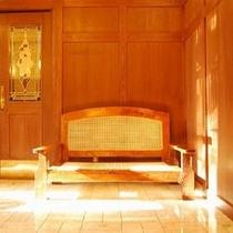 ロビーアンティーク家具