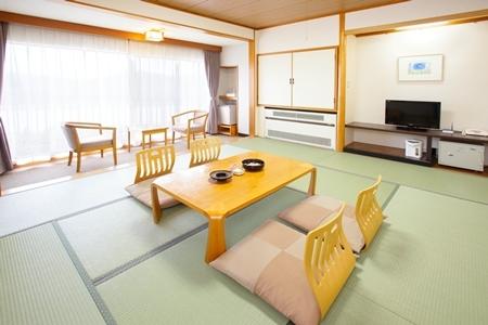 和室(風呂なしトイレ付)