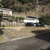 *【駐車場】駐車場は無料で6台まで駐車可能です。