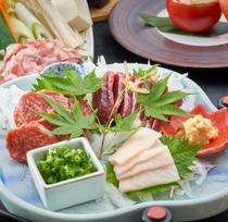 【さくら会席】馬肉三種(霜降り・赤身・コーネ)。熊本ならではの味を是非ご賞味ください♪