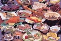 四季折々の旬の魚介満載の『地魚懐石料理』をご堪能あれ!(写真は一例)