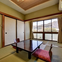*和室6畳/カップルやご夫婦でご利用いただくのに最適。ごゆっくりとお寛ぎ下さい。