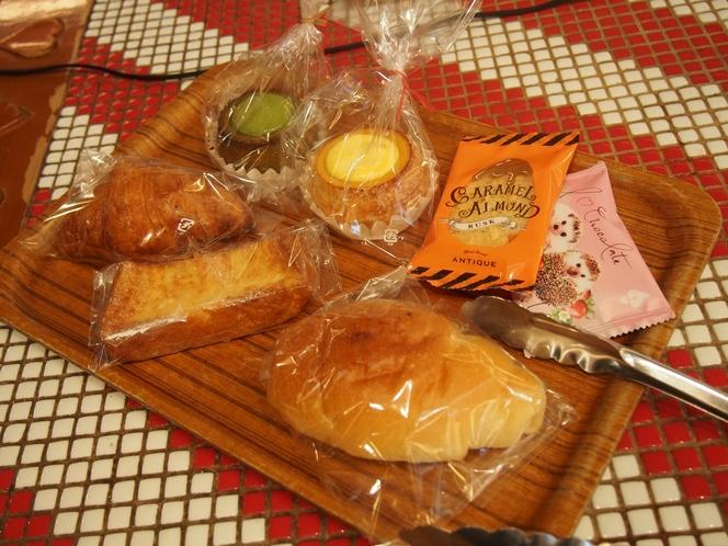 アンティークのパン一例(朝食券で購入できます)