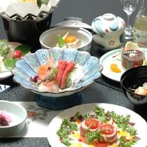 【夕食】北海道の旬味を存分に味わえる十分な品数で満足いただける和食御膳『オロフレ膳』の一例