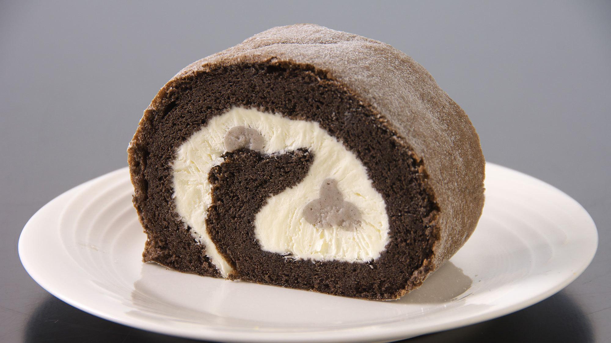 せせらぎで販売中!銀不老ロールケーキ