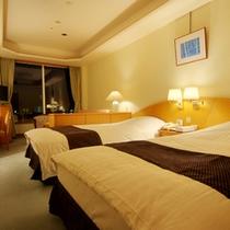 洋室スタンダードツイン(広めの32平米)明るくやさしい色調で落ち着いた雰囲気のお部屋