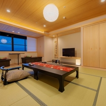 【天誠リニューアル10畳】土佐ヒノキを使用した癒しの和室。窓側からは高知城下の景色も愉しめる。