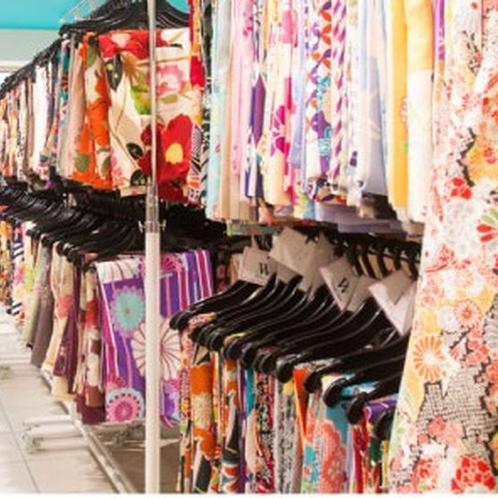 【レンタル着物】豊富な絵柄からお気に入りの一着を見つけてください。