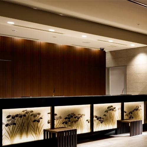 【レセプション】24時間対応のフロントデスクはで、京都観光からご滞在のお手伝いまでご相談いただけます