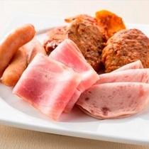 3種類の肉料理から、日替わりで1種類をご提供。