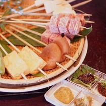 ■【春グルメ】飛騨牛炭火串焼き。四種のお味噌を添えて田楽風にお召し上がり下さい。