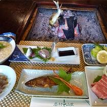 ■【夏グルメ】鮎尽くしと飛騨牛炭火焼き。※鮎の塩焼き、甘露煮、姿造り、フライなど。