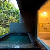 洋室離れの客室専用露天風呂