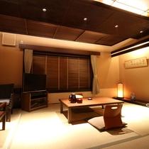 【客室一例】新館/和室10畳:落ち着いた雰囲気を施し、ごゆっくりとお寛ぎください。