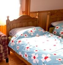 シビラデザインのベッドカバー