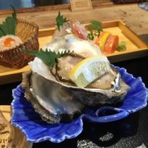 このとろけるような岩牡蠣は見るだけで涎が…