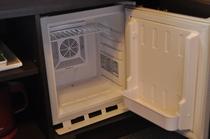 冷蔵庫(客室の冷蔵庫の中身は空です。)