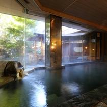 """◇象山の湯。こちらは、上山田源泉と千曲源泉の""""混合泉""""の掛け流し。"""