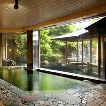 ◇象山の湯。一晩中源泉を掛け流す、贅沢な殿方内風呂。いつでもお入りいただけます。