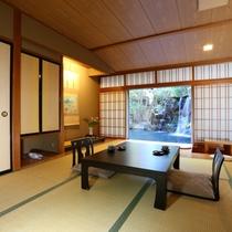 ◇【行雲閣】標準客室・10畳・池眺望。リピート率No.1のお部屋です。